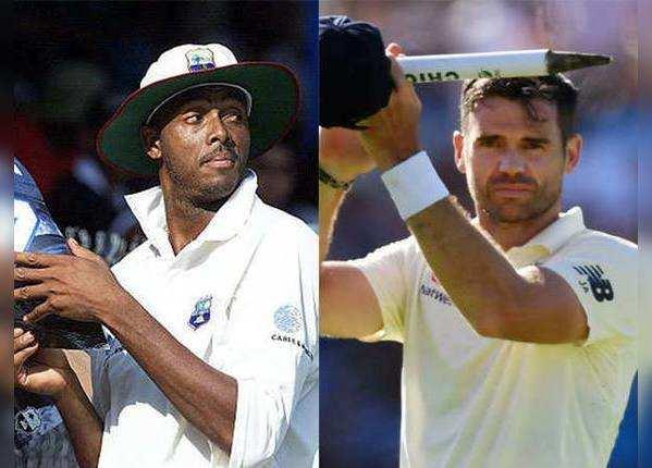 कर्टनी वॉल्श (वेस्टइंडीज) और जेम्स एंडरसन (इंग्लैंड)- 129 टेस्ट