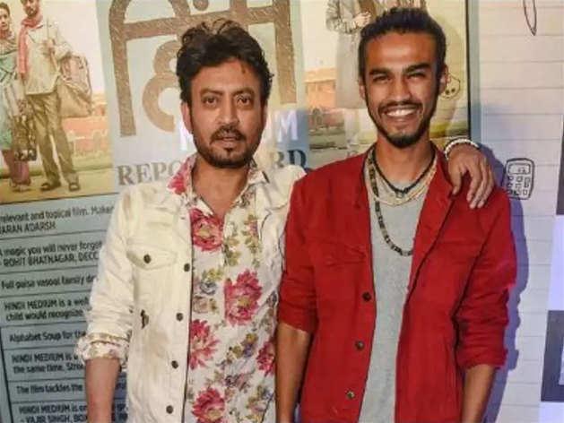 इरफान खान के साथ बाबिल (फाइल फोटो)