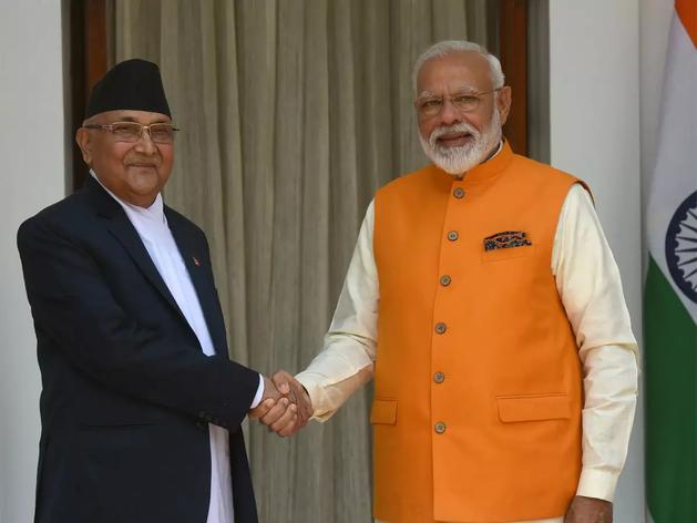 भारत के खिलाफ टिप्पणी कर अपने ही देश में घिरे नेपाली प्रधानमंत्री