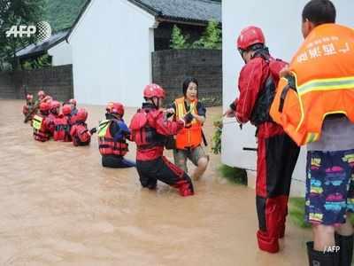 चीन में बाढ़ से हालात बेकाबू