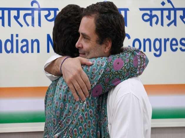Happy Rakasha Bandhan: प्रियंका गांधी ने राहुल के लिए लिखा भावुक संदेश, मुझे ऐसा भाई मिलने पर...