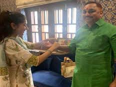 Aditi Singh News: अदिति सिंह ने पूर्व MLA चंद्रभद्र सिंह 'सोनू' को बांधा रक्षा सूत्र