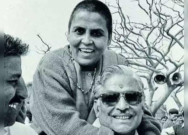 राम मंदिर आंदोलन के बीच सुर्खियों में थीं उमा भारती