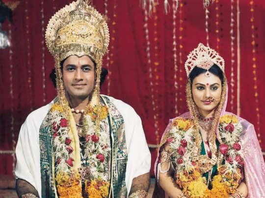 रामायण में राम और सीता बने अरुण गोविल, दीपिका चिखलिया