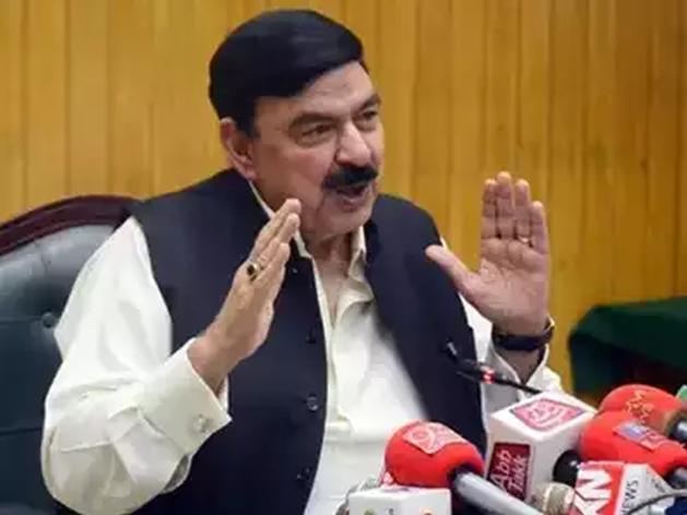 भारत पर बरसे पाकिस्तानी मंत्री शेख रशीद