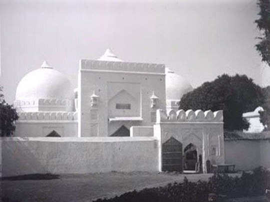 babri masjid old pictures shared on social media what is truth