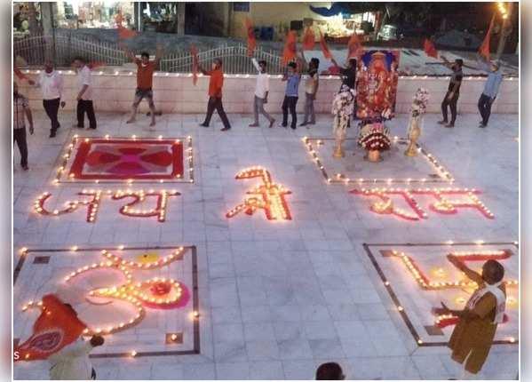 राम मंदिर का निर्माण शुरू होने पर दिल्ली के झंडेवालान मंदिर में दिवाली
