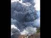 इंडोनेशिया में भड़का ज्वालामुखी, दो किलोमीटर की ऊंचाई तक उठी राख