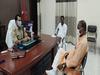 Hathras news: मिठाई के डिब्बे में घूस लेकर पहुंचा लेखपाल, बीजेपी सांसद ने दर्ज करवाई FIR