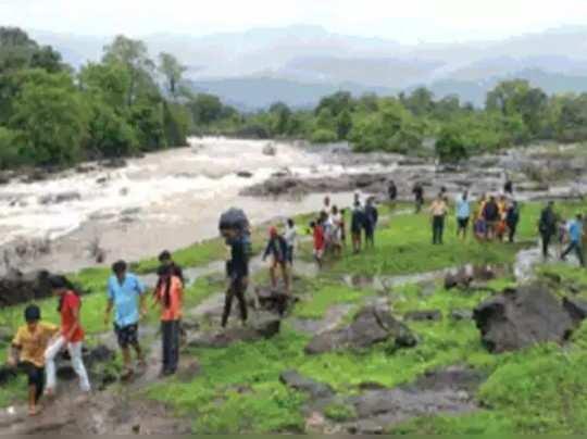 पावसाळी पर्यटनावर फेरले भीतीचे पाणी