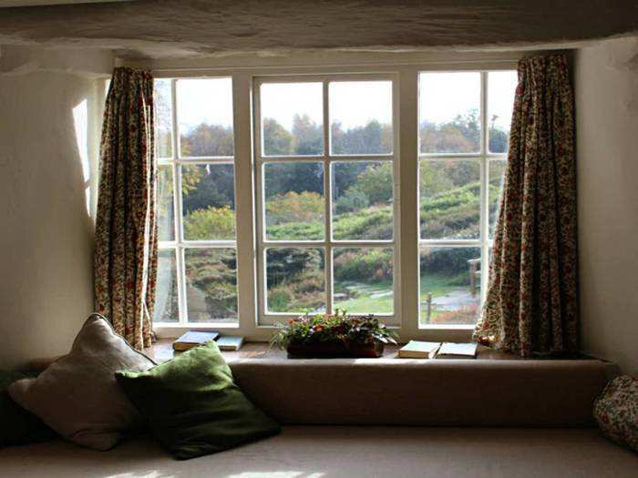 Curtains For Home : घर की खूबसूरती में चार चांद लगाएंगे यह पर्दे, इनके रंगों में भी जल्दी नहीं आएगा कोई फीकापन