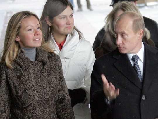 vladimir putin daughters mariya and yekaterina putina and his family russia coronavirus vaccine updates