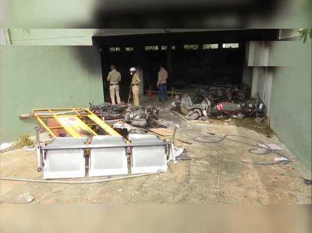 बेंगलुरू में सोशल मीडिया विवादित पोस्ट से भड़की हिंसा, 3 की मौत