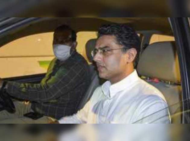 राजस्थान में गतिरोध खत्म, सचिन पायलट गुट जयपुर में गहलोत खेमे में शामिल