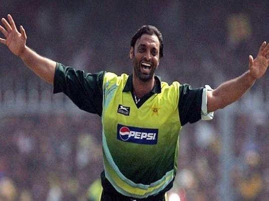 happy birthday to the world s fastest bowler shoaib akhtar