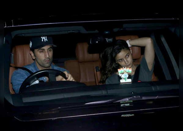 'सड़क 2' में संजय के साथ दिखेंगी आलिया