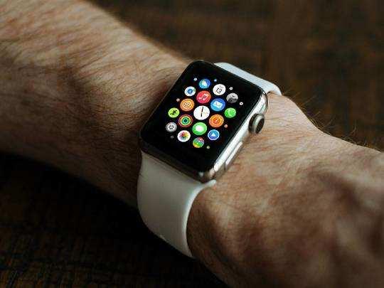 Smart Watches On Amazon : स्टाइल में नंबर वन हैं ये Smart Watches, Fitness Band पर भी मिल रही है छूट