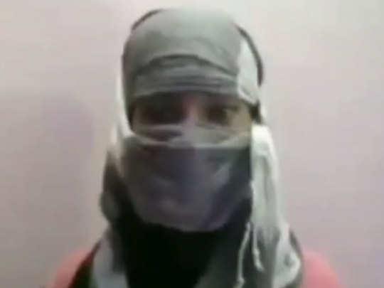 किशोरी ने पुलिस अधिकारी पर लगाए आरोप