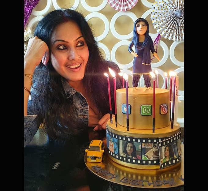 काम्या पंजाबी के बर्थडे केक पर यह कौन?