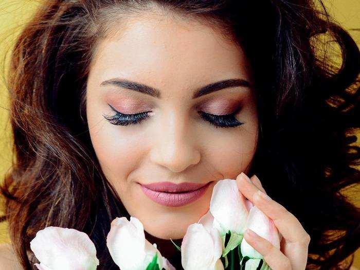 Trending Eye Makeup : मास्क लगाने के बाद भी नजरों से बयां होंगी जुबान की बातें, इन Trending Eye makeup को करें ट्राय
