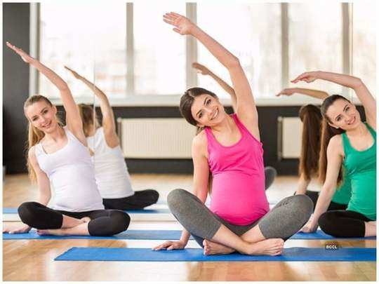 bollywood actress who did yoga practices during pregnancy and earn benefits in marathi
