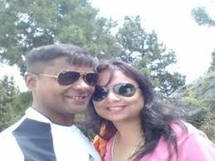 serial killer udayan das drink alcohol at sitting on girlfriend akanksha sharma grave