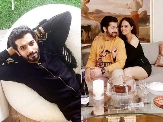 पत्नी के साथ शरद मल्होत्रा (Instagram@sharadmalhotra009)