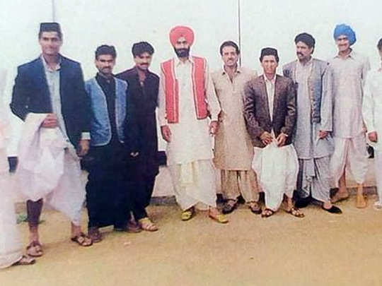 old picture of cricketers