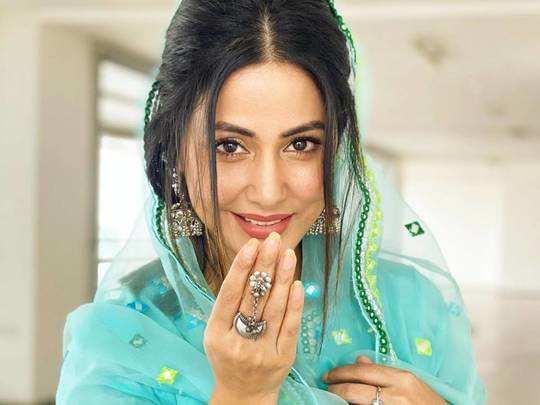 hina khan stylish sari looks