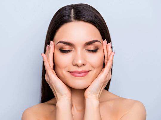 Skin Care : हेल्दी और ग्लोइंग स्किन के लिए आज ही ट्राय करें ये Facial Kits, मिल रहा है ये खास ऑफर