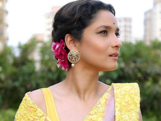 ankita lokhande left her fans mesmerized by her beauty in saree