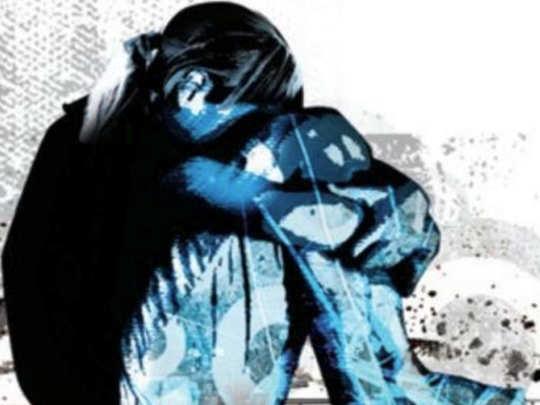 संतापजनक! जन्मदात्या बापाकडूनच मुलीवर बलात्कार; ६ वर्षे शोषण