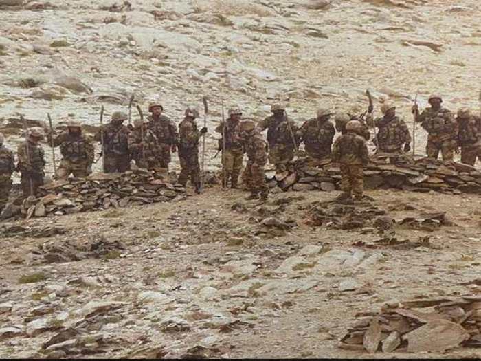 India China LIVE: लद्दाख में सेनाएं आमने-सामने, रूस में होगी भारत-चीन के विदेश मंत्रियों की मुलाकात