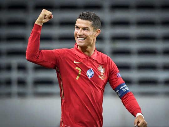 cristiano ronaldo international goals: 100 गोल दागने वाले यूरोप के पहले  फुटबॉलर बने क्रिस्टियानो रोनाल्डो, अब वर्ल्ड रेकॉर्ड निशाने पर - portugal  star cristiano ronaldo becomes ...