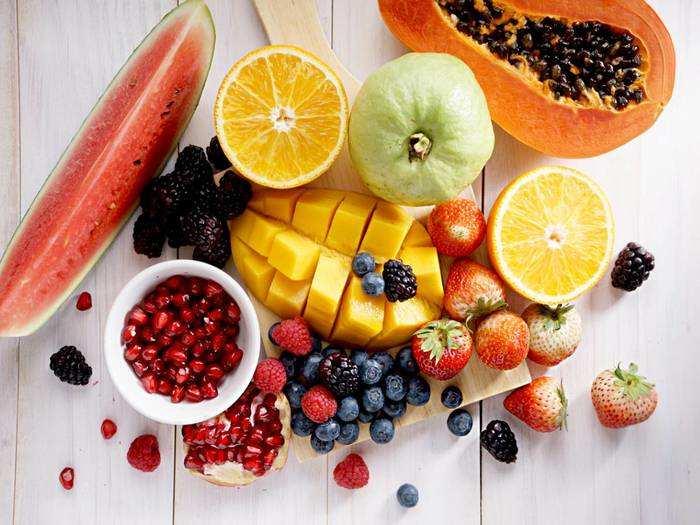 Fruits To Control Blood Sugar : इन 5 फलों के सेवन से ब्लड शुगर लेवल को कंट्रोल करने में मिल सकती है मदद
