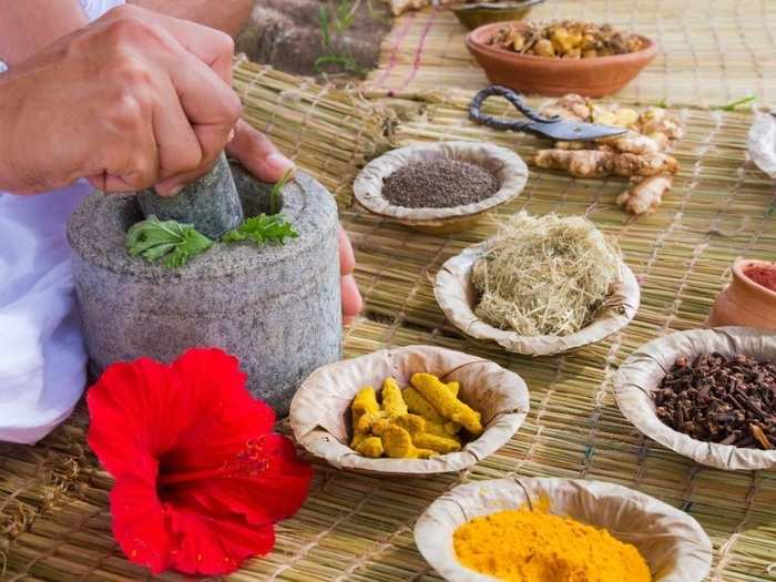 natural skin care tips home remedies for healthy and glowing skin in Marathi