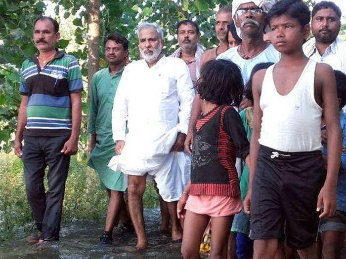 raghuvansh prasad singh passes away delhi aiims khow about veteran socialist leader