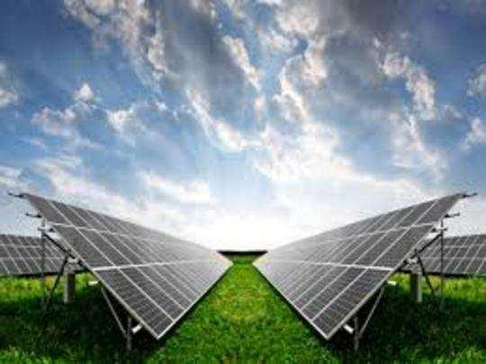 Adani Green Energy का शेयर दो साल में 24 गुना चढ़ चुका है।