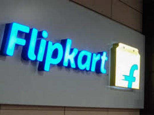 त्योहारी बिक्री के दौरान कारोबार का एक बड़ा हिस्सा ई-कॉमर्स कंपनियों के खाते में जाता है।