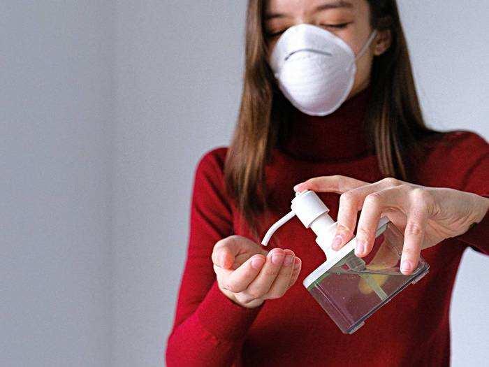 Hand Sanitizer on Amazon : कोरोना से बचाव के लिए ऑर्डर करें अल्कोहल वाले Hand Sanitizer, होगी इतने रुपए की बचत