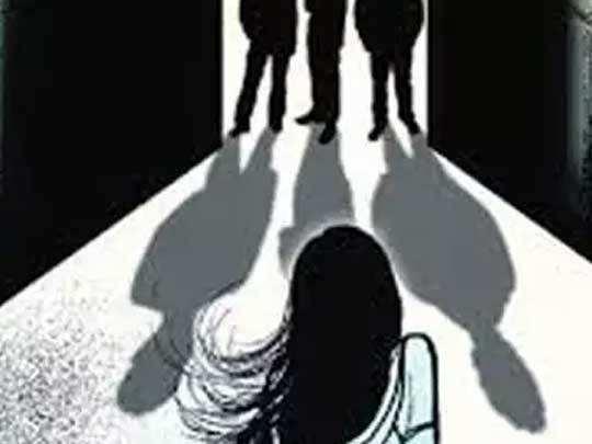 संतापजनक! ड्युटीवरून परतताना नर्सवर सामूहिक बलात्कार, मध्यरात्री रस्त्यावर फेकले