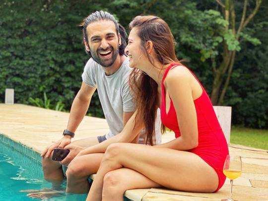 kriti kharbanda pulkit samrat relationship and reaction of parents on marrying divorced