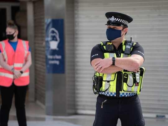 UK POLICE (1)