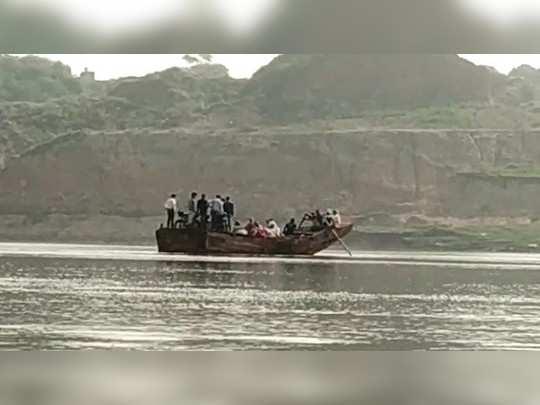 Dholpur news : चंबल नदी हादसे के बाद धौलपुर प्रशासन भी अलर्ट, अवैध संचालन को लेकर दिए रोक के आदेश
