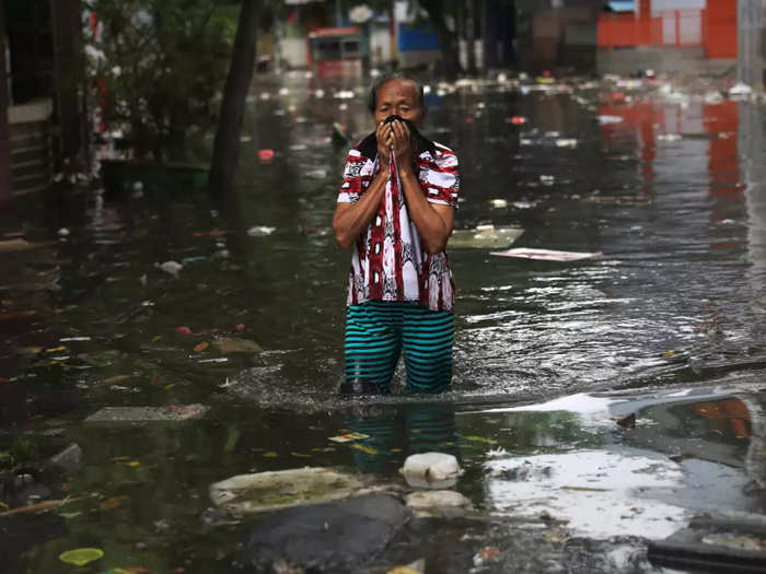 jakarta being moved to another island to save it from sinking