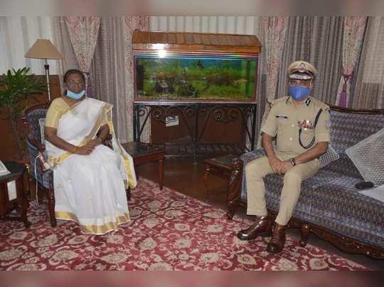 Ranchi News: पुलिस गेस्ट हाउस में नाबालिग के साथ गैंगरेप, राज्यपाल ने DGP को किया तलब- दिया ये निर्देश