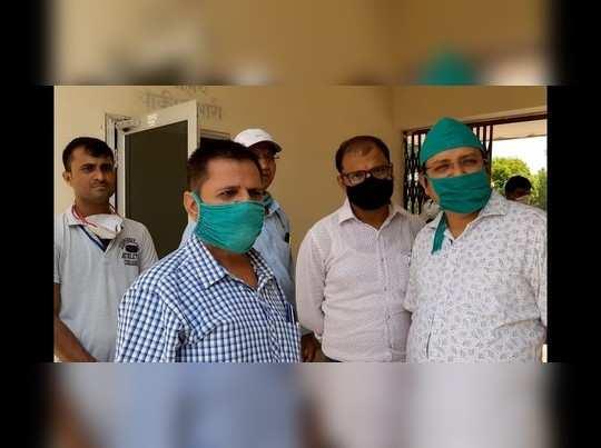 Churu news : चिकित्सकों से मनमानी दवा लिखवाने आए थे युवक, डॉक्टर ने किया इनकार तो कर दी पिटाई