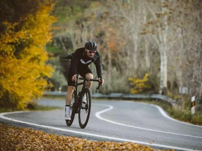 Health Care Tips दर आठवड्याला किती वेळ सायकलिंग करावे?