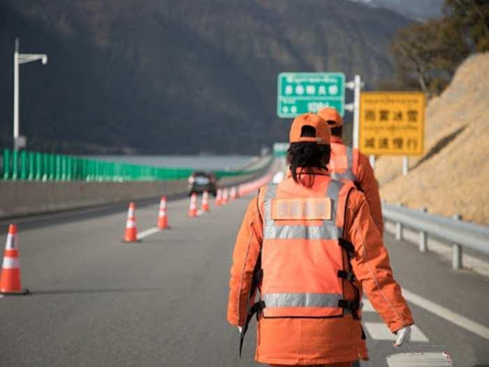China Worker Tibet