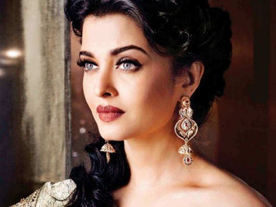 aishwarya rai pregnancy glow in hindi